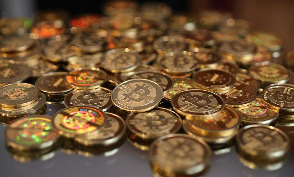 Курс биткоина на сегодня по отношению к рублю