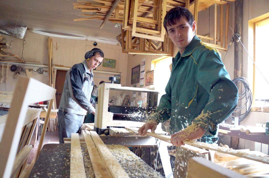 Изготовители мебели