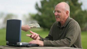 Моментальные займы пенсионерам на карту — особенности, условия и требования