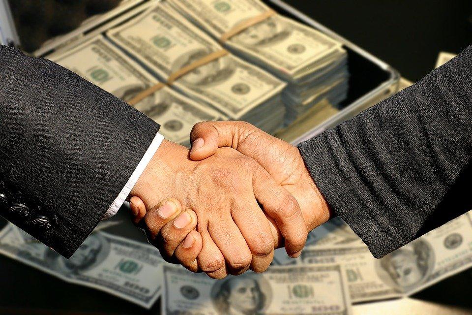 В какой форме заключается договор франчайзинга
