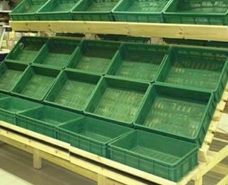 Полки под ящики (2,000 руб.)