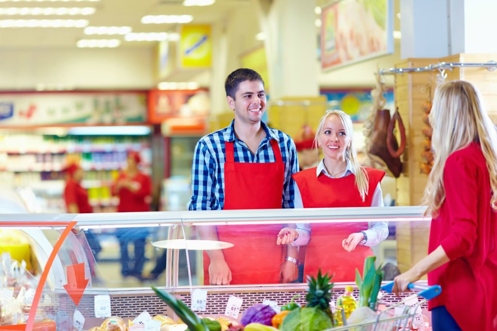 Работники супермаркета