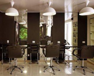 Интерьер парикмахерского зала