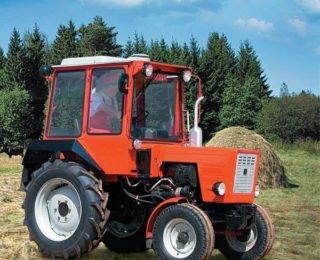 Трактор для фермы