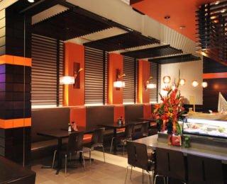 Дизайн суши бара в контрастных цветах