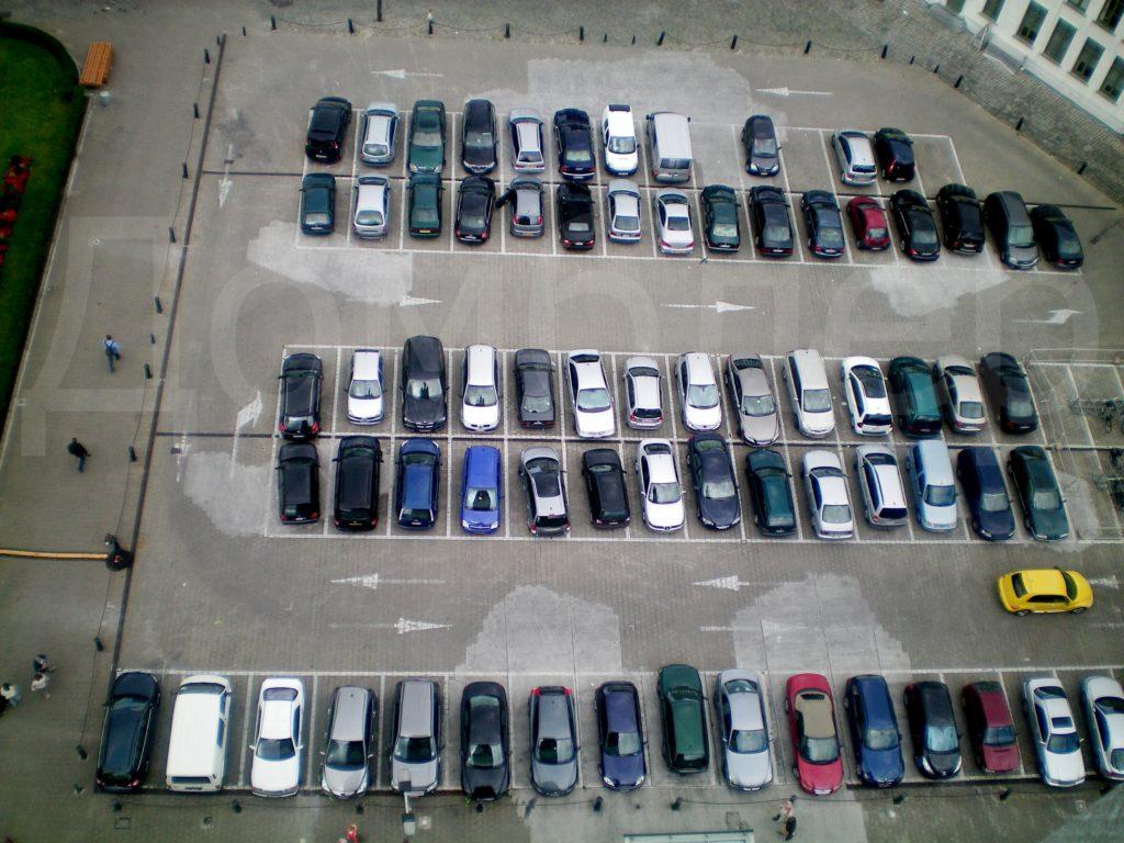 Парковка вид сверху